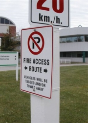 ALUMINUM PARKING, TRAFFIC & STREET SIGNS (11)